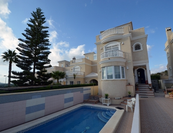 Villa - Re-Sale - Torrevieja - Los Altos