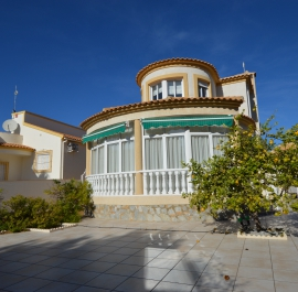 Villa - Re-Sale - Orihuela Costa - La Zenia
